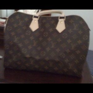 Authentic Like New Louis Vuitton Speedy 35! MINT!